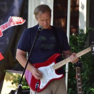 Tim Graham - lead guitar
